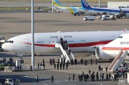 ハルモンさんが、羽田空港で撮影した航空自衛隊 777-3SB/ERの航空フォト(写真)