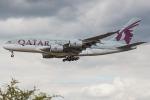 Tomo-Papaさんが、ロンドン・ヒースロー空港で撮影したカタール航空 A380-861の航空フォト(写真)