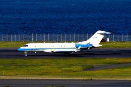 まいけるさんが、羽田空港で撮影したサンマリノ企業所有 BD-700-1A10 Global 6000の航空フォト(写真)