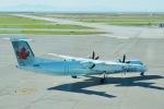とおまわりさんが、バンクーバー国際空港で撮影したエア・カナダ・エクスプレス DHC-8-402Q Dash 8の航空フォト(写真)