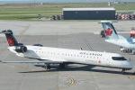 とおまわりさんが、バンクーバー国際空港で撮影したエア・カナダ・エクスプレス CL-600-2D15 Regional Jet CRJ-705ERの航空フォト(写真)