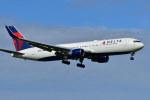 南国の防人さんが、成田国際空港で撮影したデルタ航空 767-332/ERの航空フォト(写真)