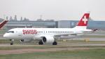 誘喜さんが、ロンドン・ヒースロー空港で撮影したスイスインターナショナルエアラインズ BD-500-1A11 CSeries CS300の航空フォト(写真)