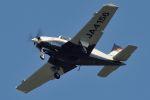 うめやしきさんが、厚木飛行場で撮影した日本個人所有 A36 Bonanza 36の航空フォト(飛行機 写真・画像)