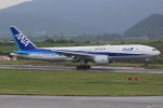 キイロイトリさんが、新石垣空港で撮影した全日空 777-281/ERの航空フォト(写真)