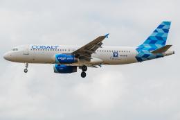 Tomo-Papaさんが、ロンドン・ヒースロー空港で撮影したコバルト・エア A320-232の航空フォト(飛行機 写真・画像)