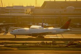 チャッピー・シミズさんが、羽田空港で撮影したデルタ航空 777-232/ERの航空フォト(写真)