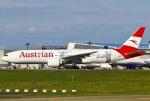 あしゅーさんが、成田国際空港で撮影したオーストリア航空 777-2Q8/ERの航空フォト(飛行機 写真・画像)