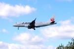 キハとエアバスさんが、青森空港で撮影したジェイ・エア ERJ-170-100 (ERJ-170STD)の航空フォト(写真)
