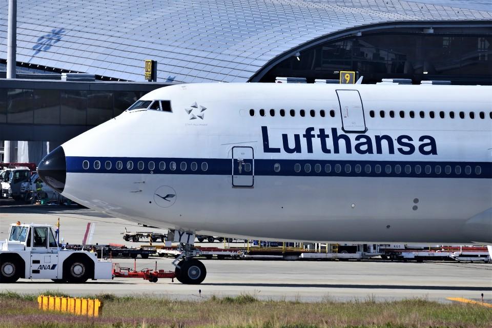 T.Sazenさんのルフトハンザドイツ航空 Boeing 747-8 (D-ABYT) 航空フォト