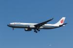 ファントム無礼さんが、羽田空港で撮影した中国国際航空 A330-343Xの航空フォト(写真)