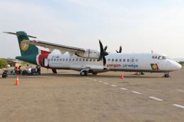 kinsanさんが、ヘホ空港で撮影したヤンゴン航空 ATR-72-212の航空フォト(飛行機 写真・画像)