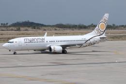 kinsanさんが、マンダレー国際空港で撮影したミャンマー・ナショナル・エアウェイズ 737-86Nの航空フォト(飛行機 写真・画像)