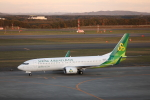 ATOMさんが、新千歳空港で撮影した春秋航空日本 737-8ALの航空フォト(飛行機 写真・画像)