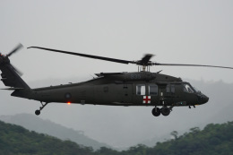神宮寺ももさんが、台北松山空港で撮影した中華民国空軍 UH-60M Black Hawk (S-70A) の航空フォト(写真)