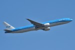 B747‐400さんが、成田国際空港で撮影したKLMオランダ航空 777-306/ERの航空フォト(写真)