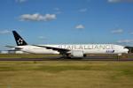トロピカルさんが、成田国際空港で撮影した全日空 777-381/ERの航空フォト(写真)
