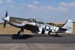 MOR1(新アカウント)さんが、ダックスフォード飛行場で撮影したComanche Fighter LLC P-51D Mustangの航空フォト(写真)