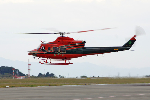 富山県消防防災航空隊 Bell 412 ...