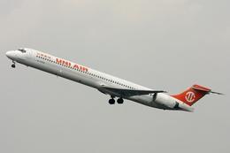 kinsanさんが、廈門高崎国際空港で撮影した立栄航空 MD-90-30の航空フォト(飛行機 写真・画像)