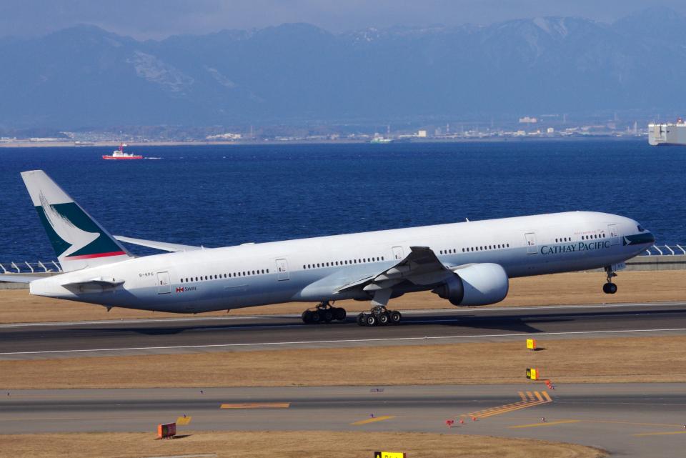 yabyanさんのキャセイパシフィック航空 Boeing 777-300 (B-KPC) 航空フォト