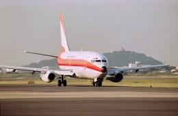 ハミングバードさんが、名古屋飛行場で撮影した日本トランスオーシャン航空 737-2Q3/Advの航空フォト(飛行機 写真・画像)