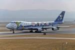 Gambardierさんが、関西国際空港で撮影した全日空 747SR-81の航空フォト(写真)