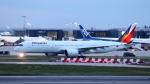 誘喜さんが、ロンドン・ヒースロー空港で撮影したフィリピン航空 A350-941XWBの航空フォト(写真)