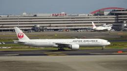 JUNさんが、羽田空港で撮影した日本航空 777-346/ERの航空フォト(飛行機 写真・画像)