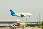 まいけるさんが、スワンナプーム国際空港で撮影したガルーダ・インドネシア航空 737-5U3の航空フォト(写真)