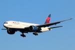 まえちんさんが、成田国際空港で撮影したデルタ航空 777-232/LRの航空フォト(写真)