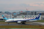 funi9280さんが、福岡空港で撮影した全日空 777-281/ERの航空フォト(写真)