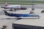 BTYUTAさんが、ウィーン国際空港で撮影したLOTポーランド航空 CL-600-2D24 Regional Jet CRJ-900の航空フォト(写真)