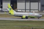 キイロイトリさんが、那覇空港で撮影したジンエアー 737-8SHの航空フォト(写真)