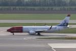 BTYUTAさんが、ウィーン国際空港で撮影したノルウェー・エアシャトル 737-8JPの航空フォト(写真)