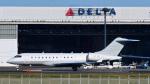 パンダさんが、成田国際空港で撮影したFalconwing Ltd BD-700-1A10 Global Express/ASTORの航空フォト(写真)