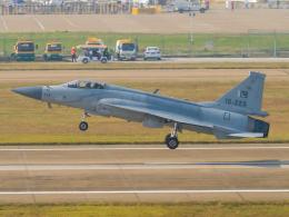 Mame @ TYOさんが、珠海金湾空港で撮影したパキスタン空軍 JF-17 Thunderの航空フォト(飛行機 写真・画像)