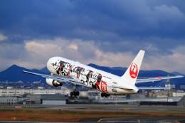 T.Sazenさんが、伊丹空港で撮影した日本航空 767-346/ERの航空フォト(写真)