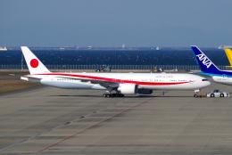 yabyanさんが、中部国際空港で撮影した航空自衛隊 777-3SB/ERの航空フォト(写真)