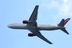 kazuchiyanさんが、岩国空港で撮影したオムニエアインターナショナル 767-328/ERの航空フォト(写真)