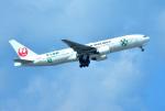mojioさんが、那覇空港で撮影した日本航空 777-246の航空フォト(写真)