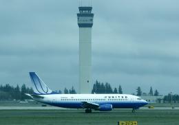 BOSTONさんが、スポケーン国際空港で撮影したユナイテッド航空 737-300の航空フォト(飛行機 写真・画像)