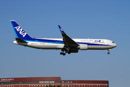 szkkjさんが、成田国際空港で撮影した全日空 767-381/ERの航空フォト(写真)
