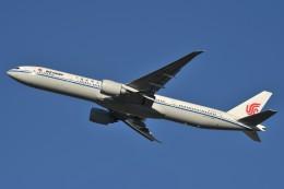 B747‐400さんが、成田国際空港で撮影した中国国際航空 777-39L/ERの航空フォト(写真)