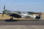 MOR1(新アカウント)さんが、ダックスフォード飛行場で撮影したuntitled 509 Spitfire T9Cの航空フォト(写真)