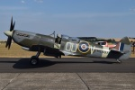 MOR1(新アカウント)さんが、ダックスフォード飛行場で撮影したuntitled 509 Spitfire T9の航空フォト(写真)