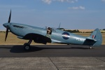 MOR1(新アカウント)さんが、ダックスフォード飛行場で撮影したuntitled 365 Spitfire PR11の航空フォト(写真)