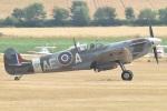 MOR1(新アカウント)さんが、ダックスフォード飛行場で撮影したuntitled 349 Spitfire F5Bの航空フォト(写真)