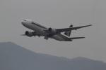 さんみさんが、香港国際空港で撮影したシンガポール航空 777-212/ERの航空フォト(写真)
