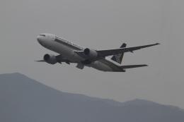 さんみさんが、香港国際空港で撮影したシンガポール航空 777-212/ERの航空フォト(飛行機 写真・画像)